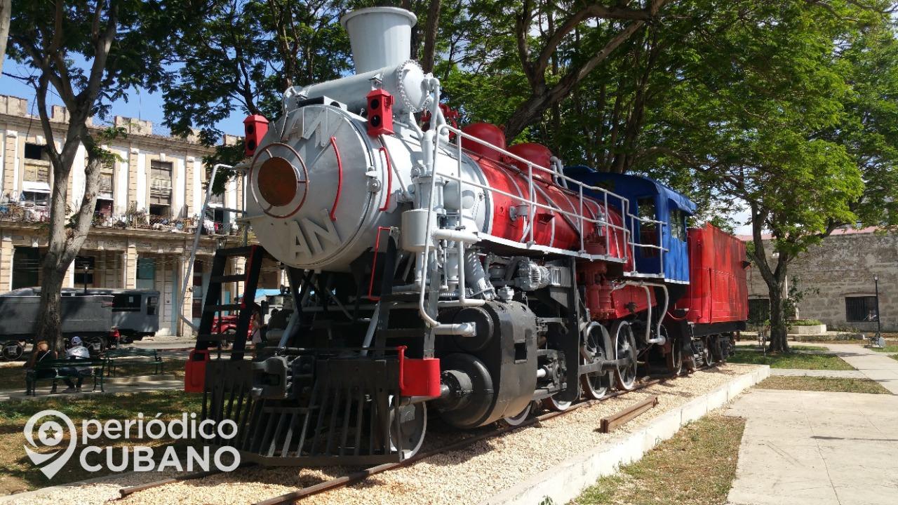 Video viral: Cubanos empujan un tren para que arranque