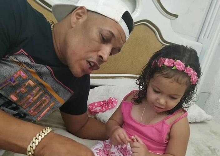 Limay Blanco junto a su hija Maily