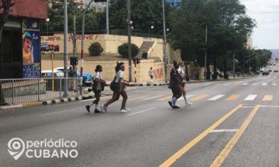 Cuba prohíbe la asistencia a las escuelas de los estudiantes con tos o fiebre por temor al coronavirus
