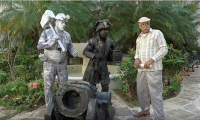 Pánfilo y Chequera se hacen pasar por estatuas para conseguir dinero y pagarle a un electricista