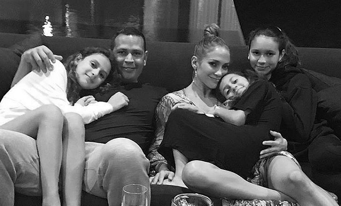 Jennifer Lopez with Alex Rodriguez and his daughters