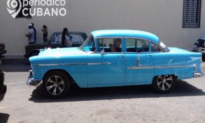 """Auto antiguo o """"almendrón"""" en Cuba"""
