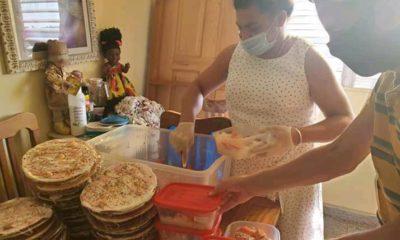 Malú Cano reparte alimentos a personas transgéneros en La Habana en medio del coronavirus (1)