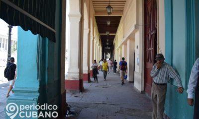 """Cubano de 62 años y """"Vanguardia Nacional"""" reclama al gobierno por su salario"""