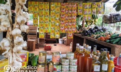 Productos agrícolas en un mercado en Cuba