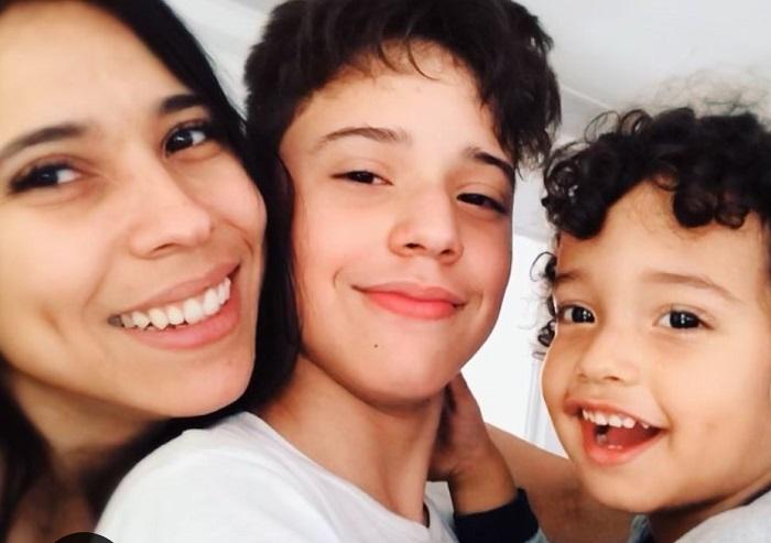 Yuliet Cruz y sus hijos