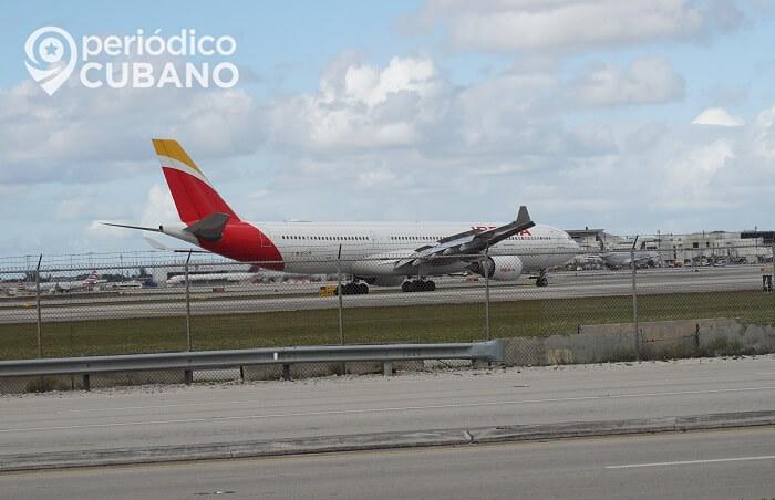 Cubanos necesita permiso del MININT para abordar vuelo humanitario a España