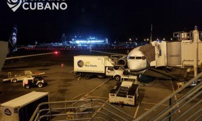 Cubanos varados no pueden llevar equipaje de mano en vuelos humanitarios