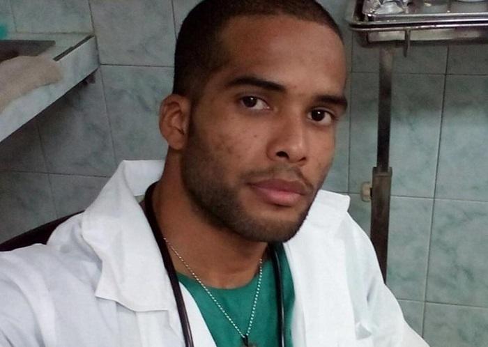Médico cubano que atiende a migrantes recibirá veredicto sobre asilo en EEUU