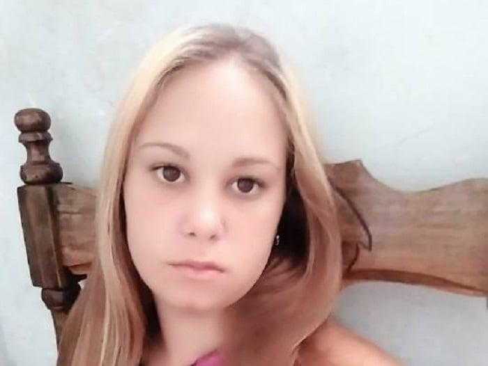 Padre cubano no encuentra medicinas para calmar fuertes dolores que tiene su hija