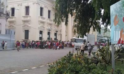 """Gobierno cubano multa a más de 1.200 """"coleros"""" desde el inicio de la pandemia"""