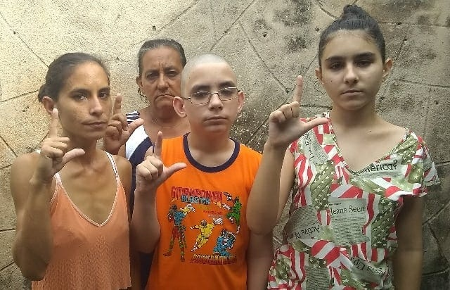 Seguridad del Estado ordena brutal golpiza a una familia de opositores en Holguín