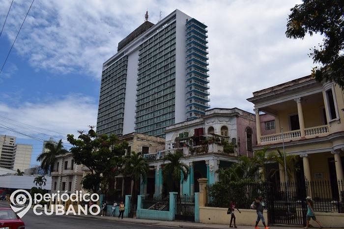 """Gobierno reabre al menos 11 hoteles en La Habana para """"visitantes cubanos"""""""