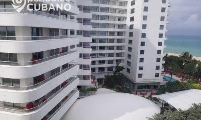 Miami Beach implementa toque de queda ante aumento de COVID-19