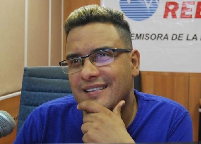 Magdiel Pérez, locutor de la oficialista emisora Radio Rebelde
