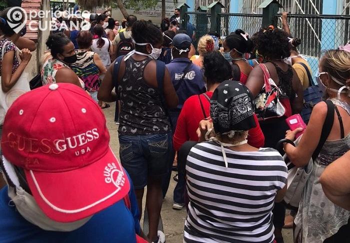 Opositor realiza enérgica protesta en una cola por el desabastecimiento en las tienda de CUC