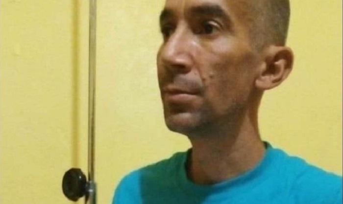 El activista cubano Ramón Arboláez está detenido en un centro migratorio de Arizona