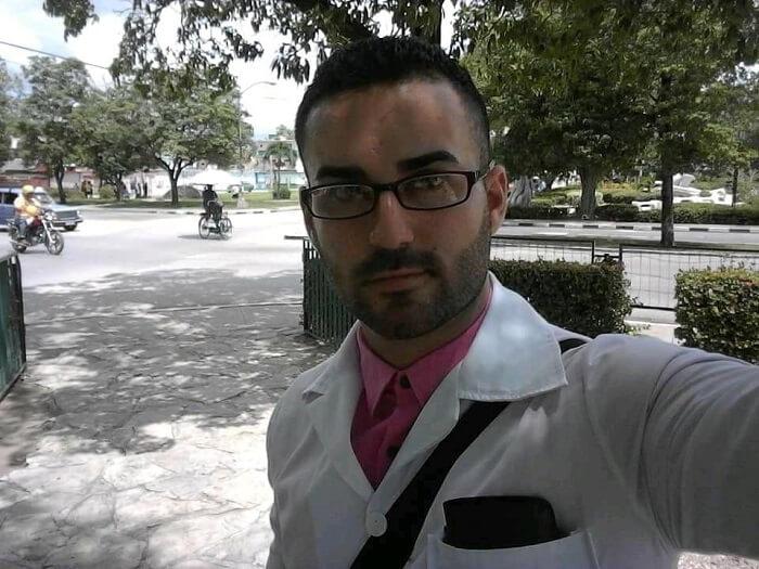 Médico cubano critica la falta de libertad de pensamiento en la Isla
