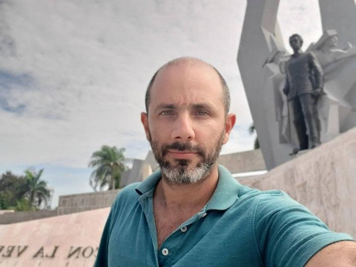 Periodista cubano solicita a la Asamblea Nacional analizar la destitución de Díaz-Canel