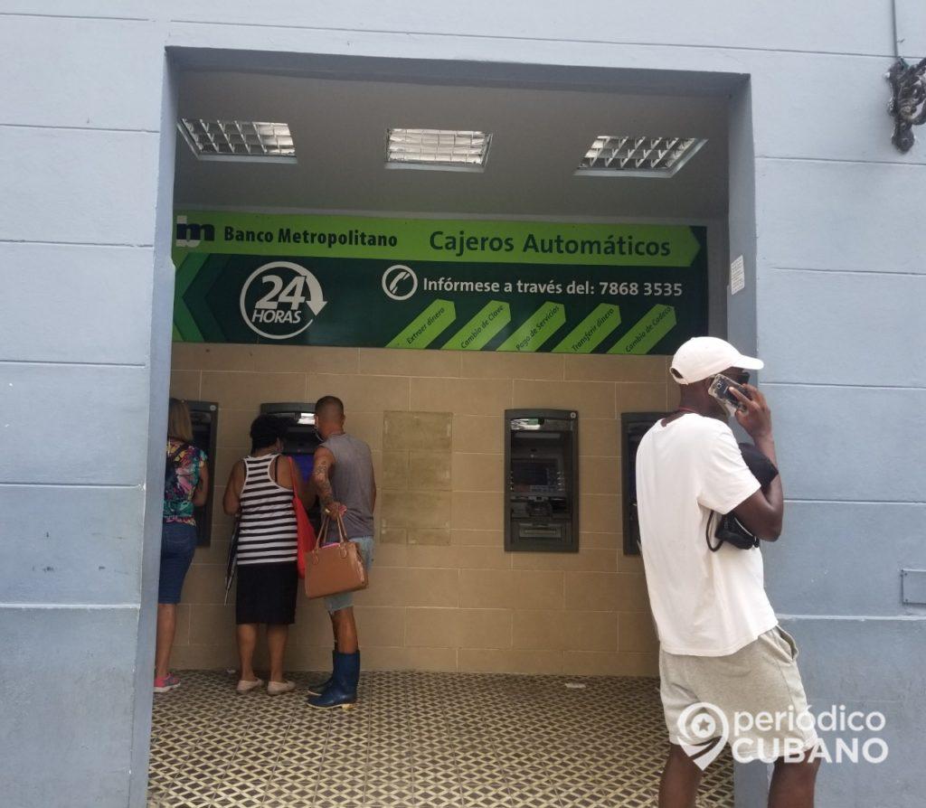 Bancos cubanos ofrecen bonificación por el uso de tarjetas magnéticas