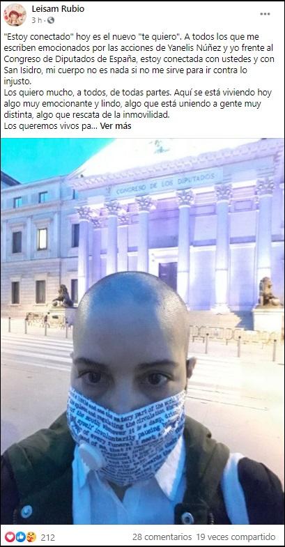 Cubanas afeitan su cabeza en España en apoyo al Movimiento San Isidro