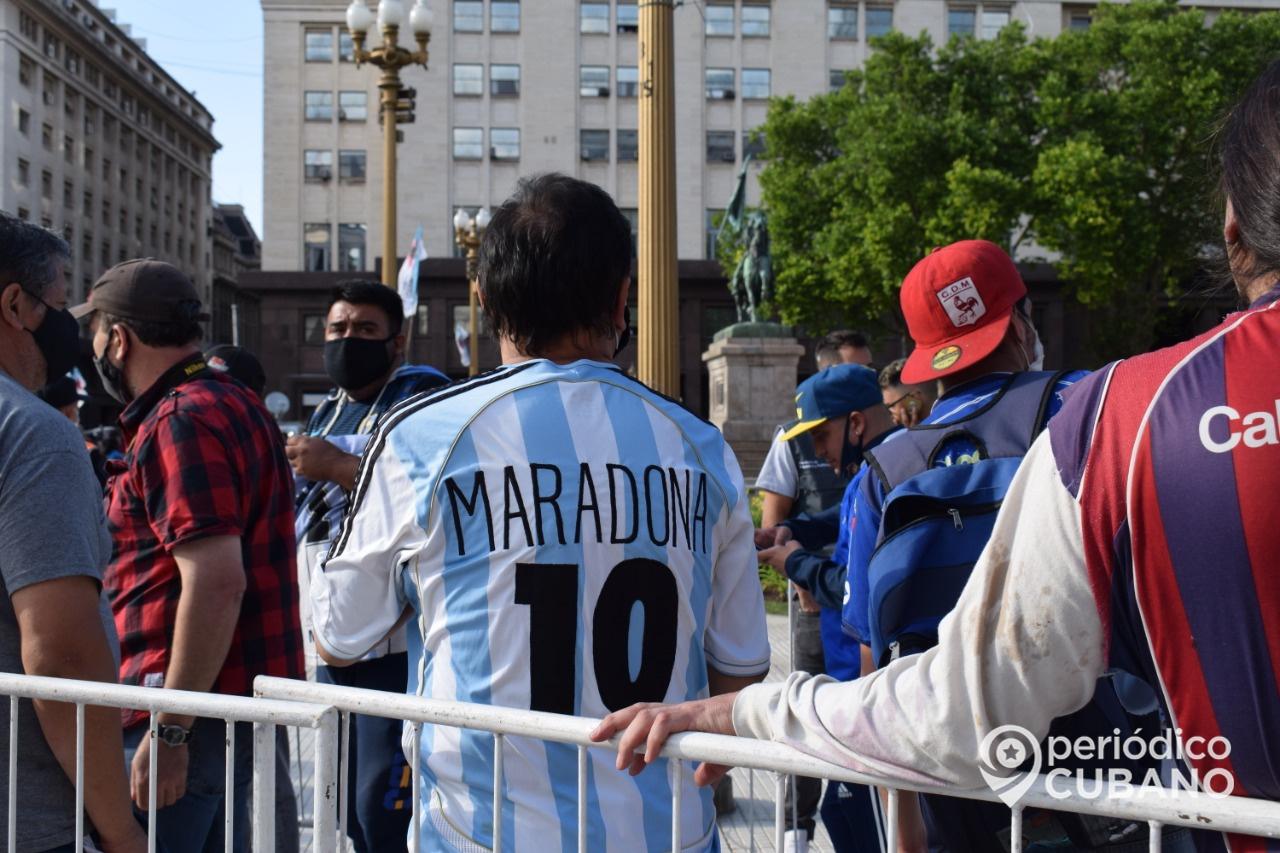 Maradona el mejor jugador de Argentina