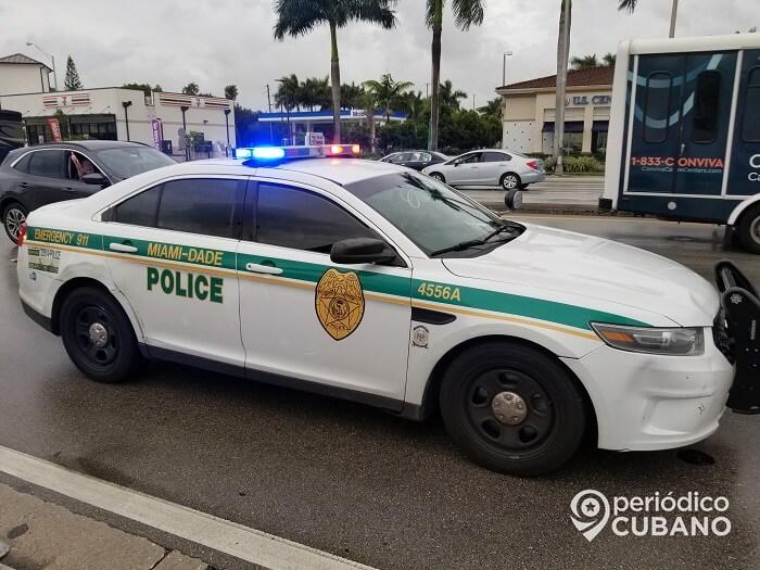 Un hombre muerto y otro herido tras un tiroteo en un estacionamiento de Miami-Dade