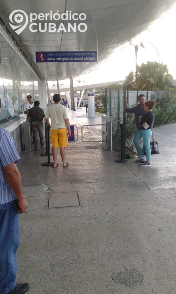Viajeros cubanos a Cancún deberán pagar un nuevo impuesto en el aeropuerto mexicano