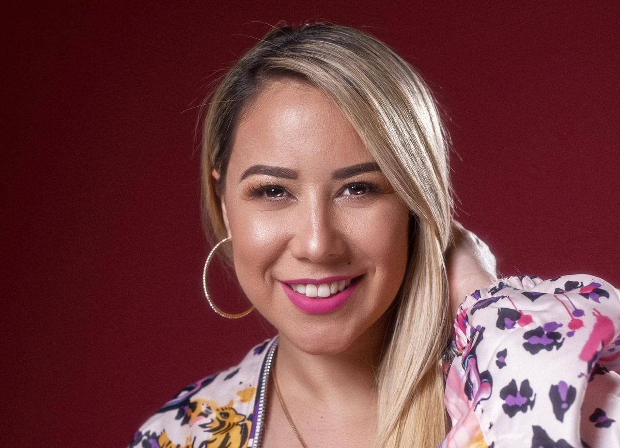La Señorita Dayana estrena nuevo disco, 'Por ellas' (2)