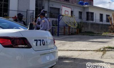 """Minit oferta empleo para policías cubanos con altos salarios y """"beneficios extras"""""""
