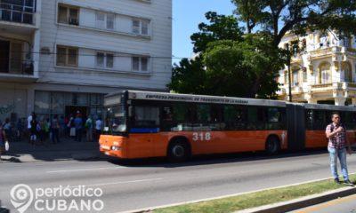 Ómnibus de transporte urbano en La Habana