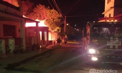 Una casa fue devorada por un incendio ante la demora de los bomberos