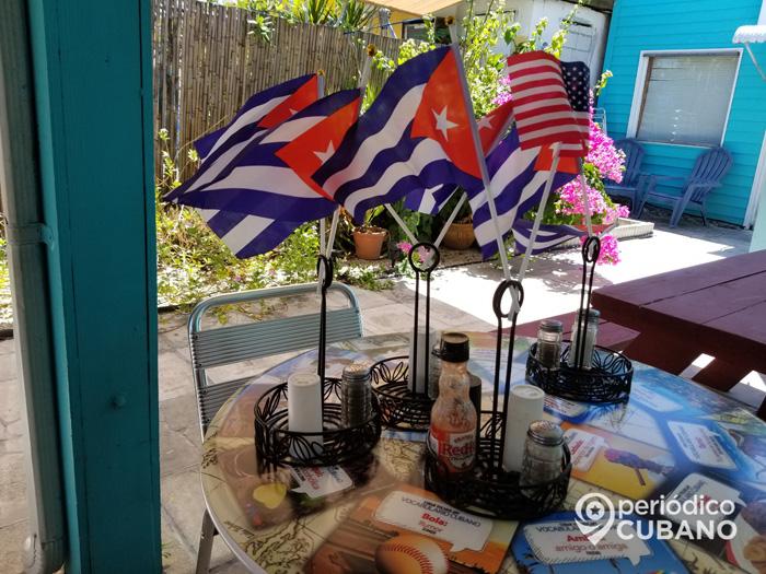 bandera cubana en restaurante de los cayos (5)
