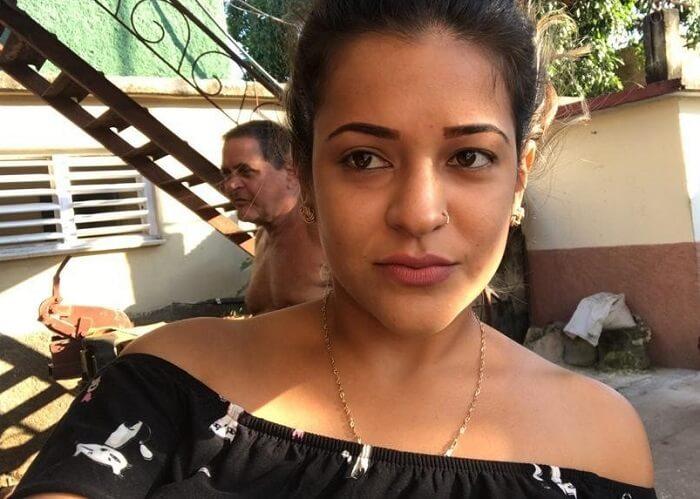 Gobierno evita el regreso a Cuba de la joven Yisabel Marrero, hija de una Dama de Blanco