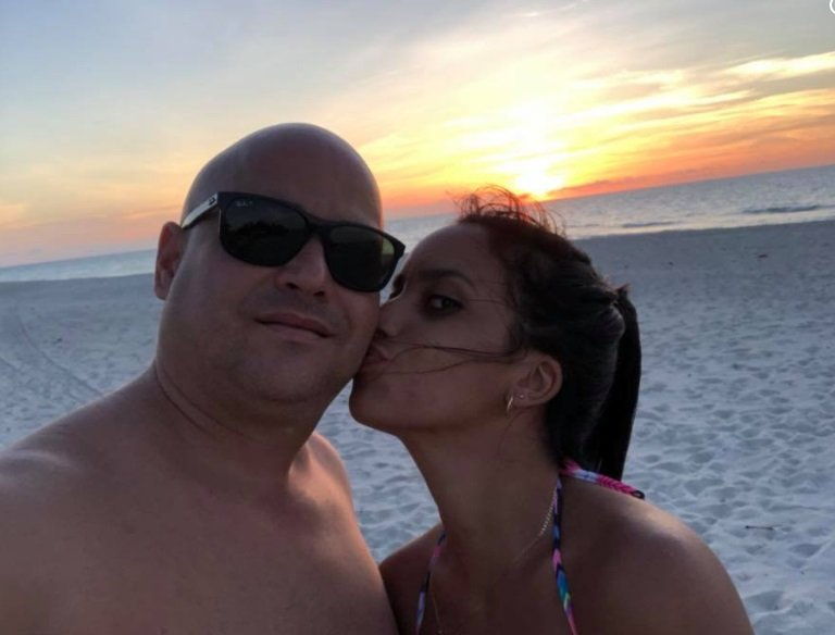 La sorpresa de cumpleaños de Andy Vázquez a su esposa en Cuba
