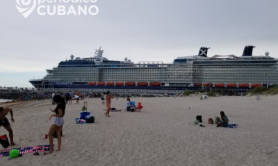 crucero saliendo por south point en miami beach