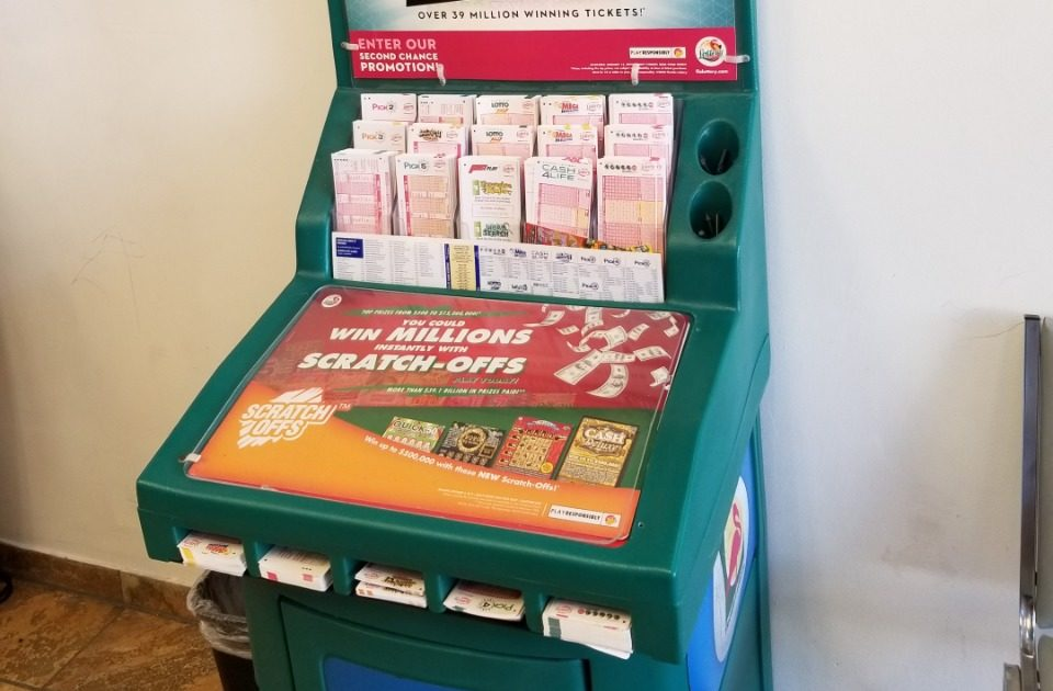 Lotería Powerball entrega 235 millones a un joven de la Florida