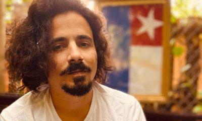Actor Yerandy Basart en entrevista con el periodista Carlos Armado Cabrera