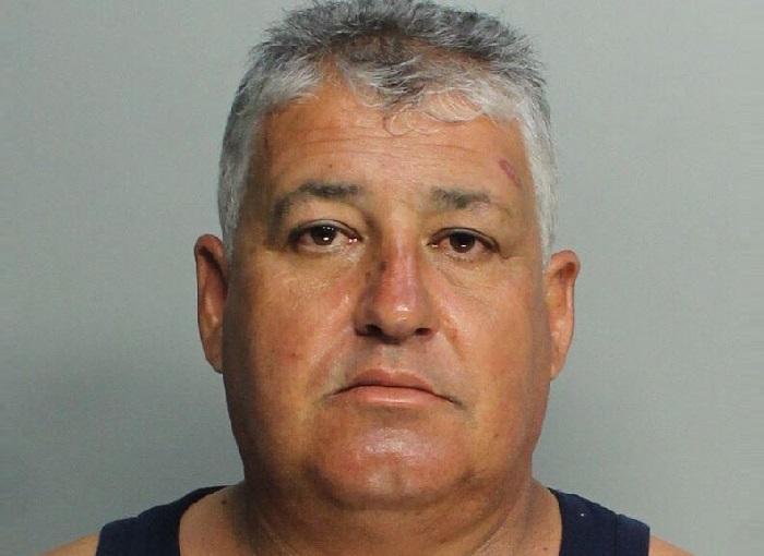 Cubano arrestado en Miami por atacar a su vecino con un machete