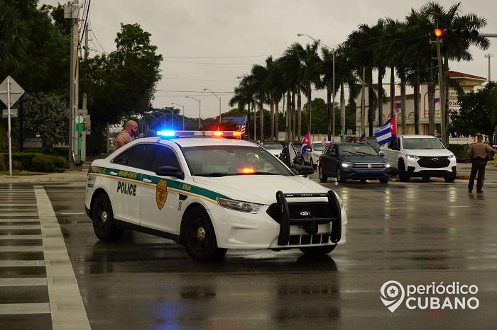 Thieves steal a piece from a Cuban's work truck in Miami
