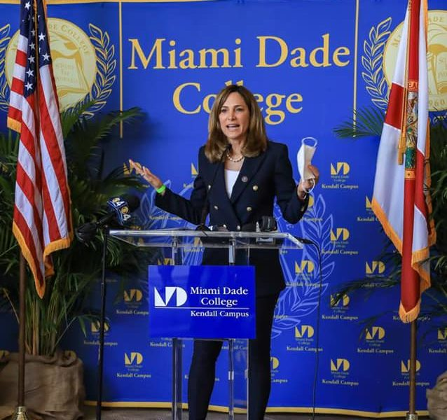 María Elvira Salazar demands that Biden grant emergency visas to Cubans just as he did with the players