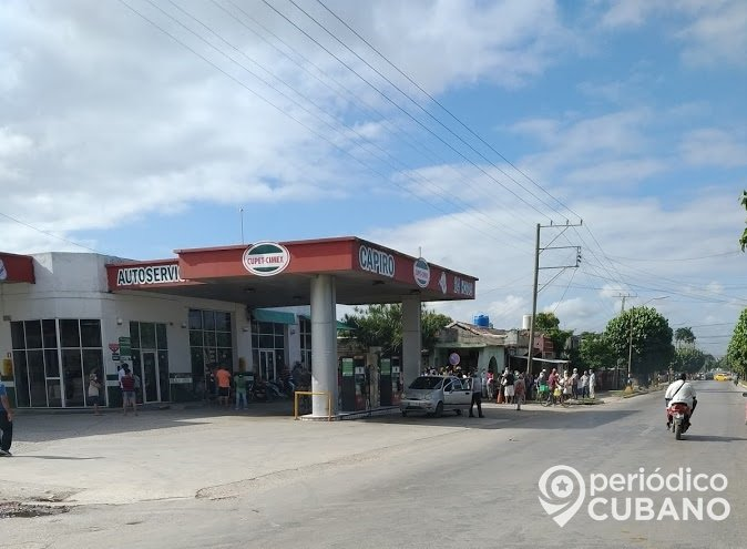 Habitantes de Ciego de Ávila inconformes con la venta de combustible mediante tarjetas