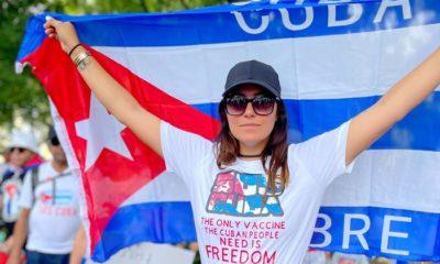 Aly Sánchez protesta en la Casa Blanca