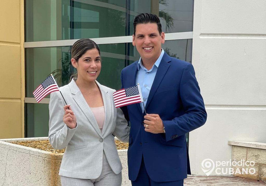 Periodista cubano Alexis Boentes obtiene la ciudadanía de los EEUU
