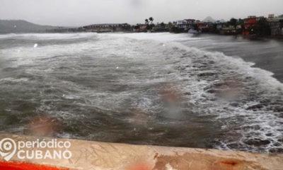 Tormenta en Baracoa. (Imagen de referencia: Periódico Cubano).