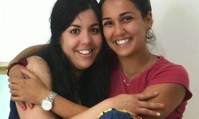 Camila Arteche y su hermana
