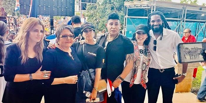 Cantante Eduardo Antonio se suma a las protestas de cubanos en Miami