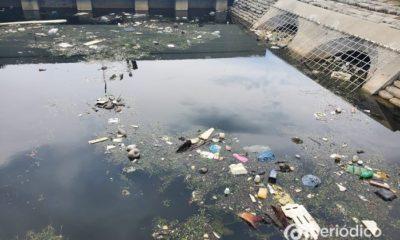 Canal de Hialeah es un foco de infección por la abundante basura